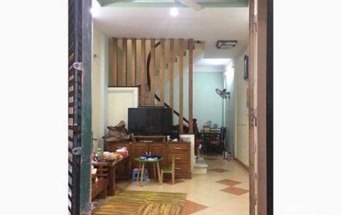 Bán nhà riêng ở khu vực Nguyễn Trãi. DT 30m. Giá 2.5 tỷ.