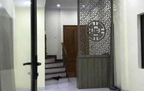Nhà đẹp Nguyễn Trãi 34m2 3 tầng giá 3 tỷ. LH 0946550495