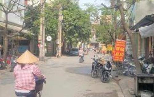 Bán nhà mặt phố Vương Thừa Vũ, 50m2, 5 tầng, mặt tiền 5m, 10,5 tỷ.