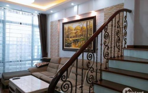 Bán gấp nhà  Nguyễn Trãi  : 45m2 , 5tầng , mặt tiền 4m , giá  3.8 tỷ .