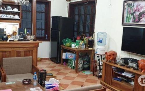 Cho thuê nhà Hoàng Quốc Việt 75m2x5 tầng 30tr/tháng