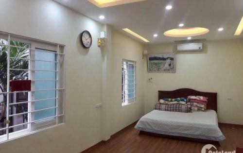 Cho thuê nhà mới xây có tháng máy phố Hạ Yên, Cầu Giấy