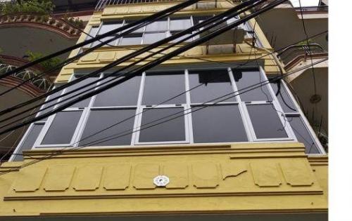 Cho thuê nhà mặt đường Đường Láng 70m2x4tang.20tr/thang