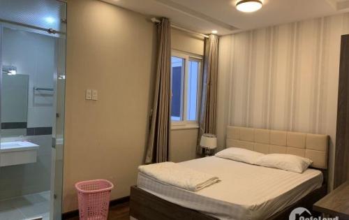Cho thuê căn hộ cao cấp tại đường Đinh Tiên Hoàng, Quận 1. Giá tốt