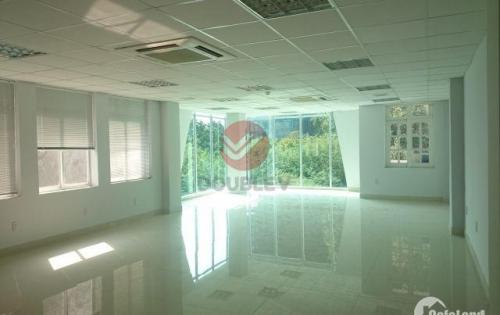 Văn phòng cho thuê Quận 3 diện tích 91m2, giá rẻ, trần sàn hoàn thiện. LH 0974040260