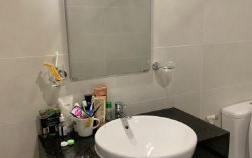 Cần cho thuê lại căn hộ Grand Riverside 2PN giá 16tr/tháng,có máy lạnh ,bếp,rèm Lh Trân 0909802822