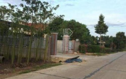 Gia đình đang cần bán hơn 1000m2 mặt tiền đường xã xuân đông, gần trường học, khu dân cư an ninh LH 0868292939