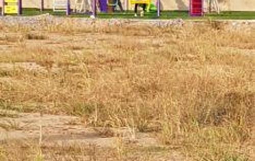 đất mặt tiền gần chợ Bình CHánh đã có SHR