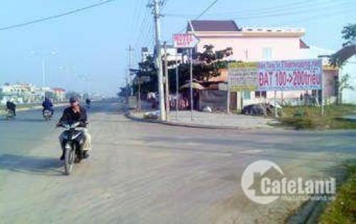 Tin hot !!! bán đất thổ cư 108m2 (ngang 5.5m) ngay đường 835 Trung Tâm Thị Trấn Cần Giuộc. Giá 9tr m2. LH 0365394850.