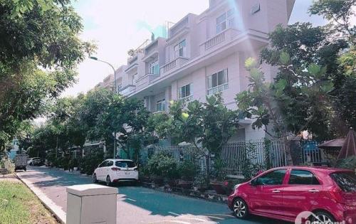 Cần bán lô góc nhà phố KDC 13C Greenlife, DT 105m2 giá 4.2 tỷ. LH 0902462566