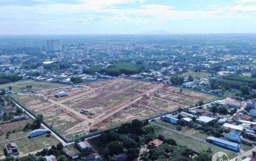 Đất nền tọa lạc trên mặt tiền Quốc Lộ 51. Ngay cổng vào sân bay Quốc tế Long Thành.
