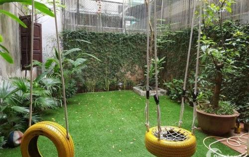 Bán nhà tây sơn- đống đa 100m2, 9,3m mặt tiền, có sân vườn, giá 7.7 tỷ