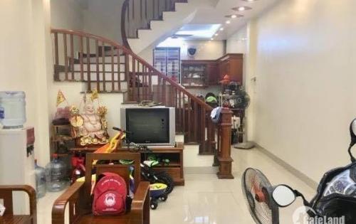 Bán nhà riêng, sát mặt phố Định Công, thiết kế hiện đại, DT 50m2, 4 tầng, nhỉnh 3 tỷ.