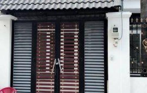 Bán nhà 3 tầng HXH. DT 100m Lô góc hai mặt tiền. Giá đẹp.