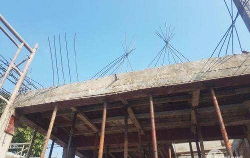 $Hot hot! góc đầu tư thuận lợi . Dãy 7 căn (2 Mặt Tiền) nhà đang xây nhà  ép cọc lên 1 tấm. 1 trệt 1 lầu nằm ngay đường Nguyễn Thị Sáu,q12. Giá 990tr – 1 tỷ 5
