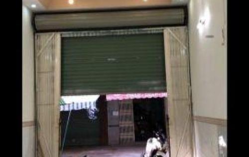 Nhà bán trong chợ Thạnh Xuân tha hồ buôn bán