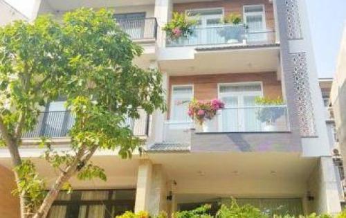 Bán gấp nhà phố 2 lầu, ST mặt tiền Phú Thuận, P. PT, Q7.