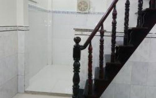 Bán nhà 1 lầu mặt tiền hẻm 793 Trần Xuân Soạn, Quận 7