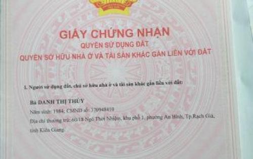 chính chủ cần tiền bán gấp căn hộ quận Bình Tân , đã có sổ
