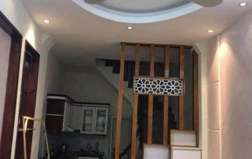 Bán nhà đẹp 4 tầng hai mặt thoáng về ở ngay khu phố Nguyễn Trãi. Giá 2.65 tỷ