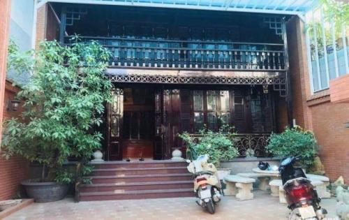 Bán biệt thự gỗ siêu đẹp 176m2, full nội thất tại Vũng Tàu, giá tốt