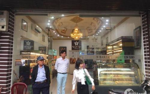 Cho thuê nhà kinh doanh mặt phố Lê Trực, Ba Đình.