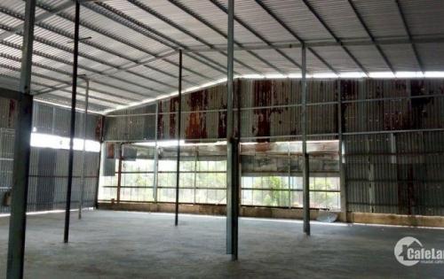 Cho thuê 1.000m2 (có sẵn kho 400m2) tọa lạc tại huyện Bình Chánh