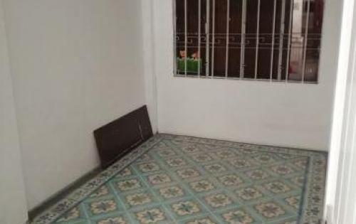 Cho thuê nhà đường Ngô Gia Tự Nha Trang, 3 tầng