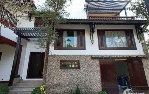 Cho thuê Villa Thảo Điền 450m2,5PN,giá 123tr/th.LH:0901243011 Hoàng Nguyễn