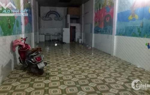 Cho thuê nhà mặt tiền chợ Linh Trung (10tr/tháng/90m2 )
