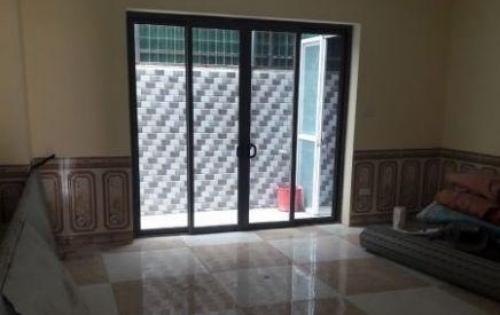 Cho thuê cả nhà tại Vương Thừa Vũ thích hợp làm Văn phòng, ở chuẩn hộ gia đình , kinh doanh online