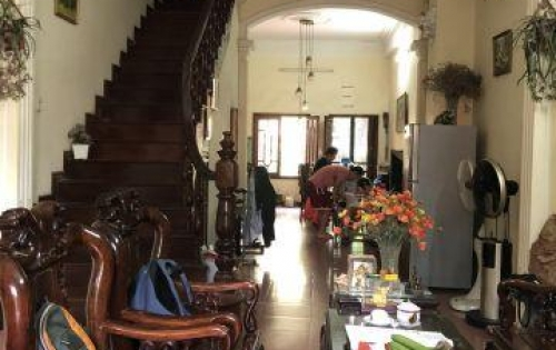 Chính chủ cho thuê gấp nhà riêng đối diện UBND Trung Văn 3 tầng 130m2 đồ đạc đầy đủ 26 triệu