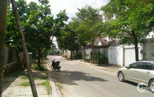 Cần bán gấp 3 lô đất mặt tiền đường Trục, dân cư hiện hữu, sổ hồng riêng