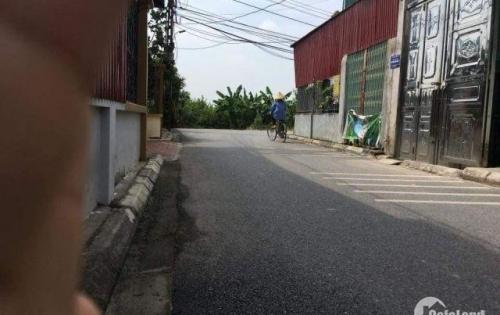 Cần bán đất Đông Dư 82m2, đường rộng 4m, sát đường chân đê.