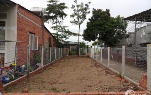 Lô đất bán gấp Phạm Văn Sáng,Hóc Môn 97,8m2,giá 900 triệu,đường vào 10mm. LH 0924460092