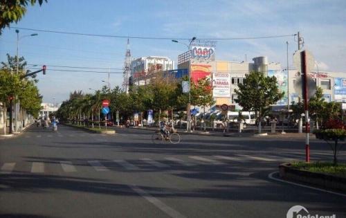 Hưng Thịnh mở bán đát nền sổ đỏ ngay Trung tâm TP Vĩnh Long , chỉ với 850tr/nền. Liên hệ : 0988337598
