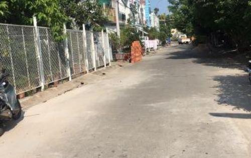 Bán nhà 1 trệt 1 lầu mới 100 % cặp bên Nam Long ( khu xây dựng)