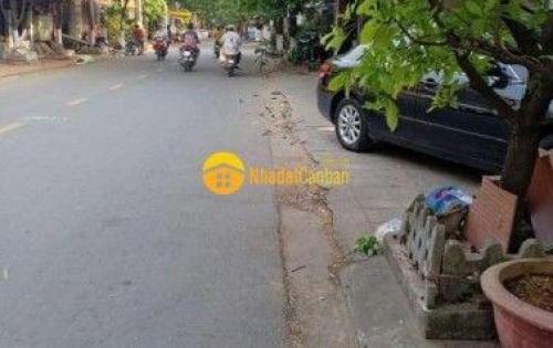 Bán đất kiệt 2 ô tô tránh nhau đường Tôn Đản. lh 0932510700