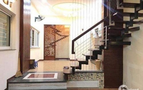 Chính chủ bán nhà đẹp khu phân lô_sổ nở hậu_về ở luôn phố Trần Thái Tông DT 42m*4 tầng.