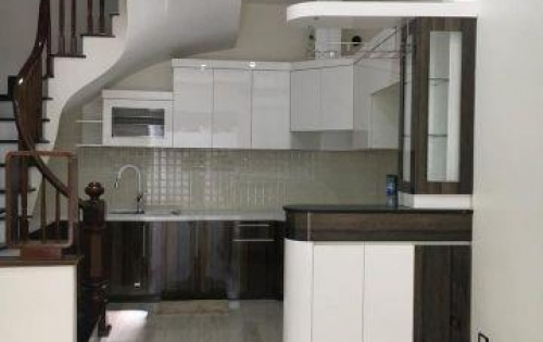 GĐ cần bán căn nhà 39m2x6 T, 4.35 tỷ. Yên Hoà,Cầu Giấy.