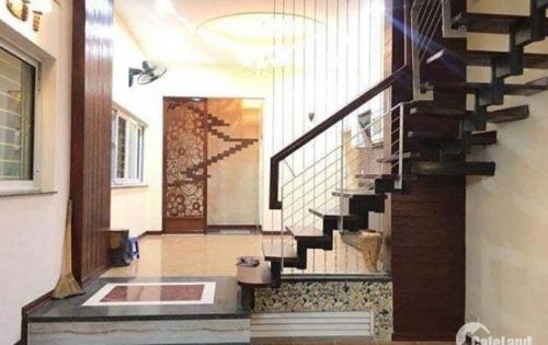 Nhà Đẹp phố Hoa Bằng - Lô Góc-Ô TÔ- KD văn phòng DT 45m*4 tầng.