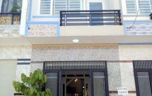 Nhà lầu ngay Vincom ,ngã tư 550, giá rẻ. Cực đẹp