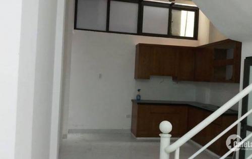 Nhà 21m2 Khâm Thiên ngõ 2m quận Đống Đa giá 1,75 tỷ.