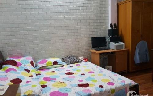 Chính chủ cần bán gấp nhà Cát Linh, quận Đống Đa, 5T, 3 thoáng, nội thất xịn.