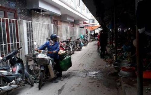 Bán nhà chợ Bia Bà, La Khê, Hà Đông. 40m2, 4.1 tỷ. Căn góc, hai mặt thoáng, ô tô vòa nhà.