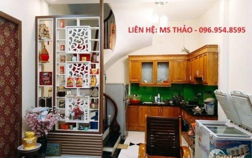 Nhà phố 8/3-Quỳnh Mai, cách ô tô tránh 10m, 33mx4 tầng, 2.75 tỷ