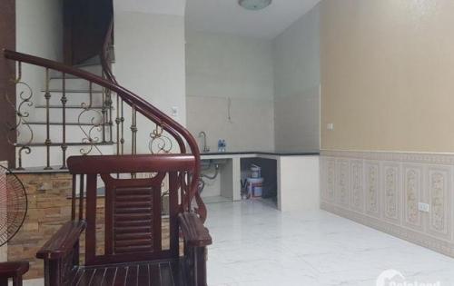 Bán nhà phố Kim Ngưu 45m2, ngõ 3 gác, giá chỉ 64tr/m2