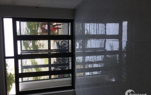 Cần bán gấp nhà mới xây , thoáng mát , gần đường Huỳnh Tấn Phát