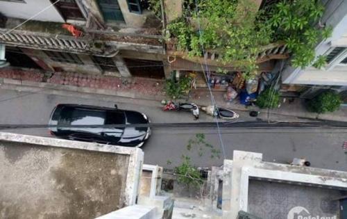 Nhà mặt ngõ lô góc, ô tô vào nhà, gần hồ, giá chỉ 63tr/m