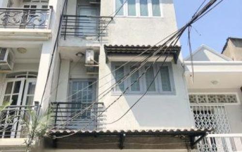 Bán gấp nhà 2 lầu đẹp mặt tiền hẻm 266 Tôn Đản quận 4.